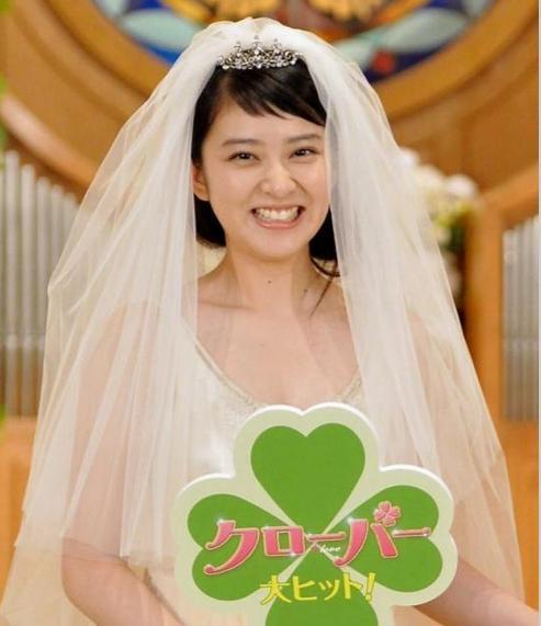 映画クローバー、武井咲さんのウエディングドレス姿