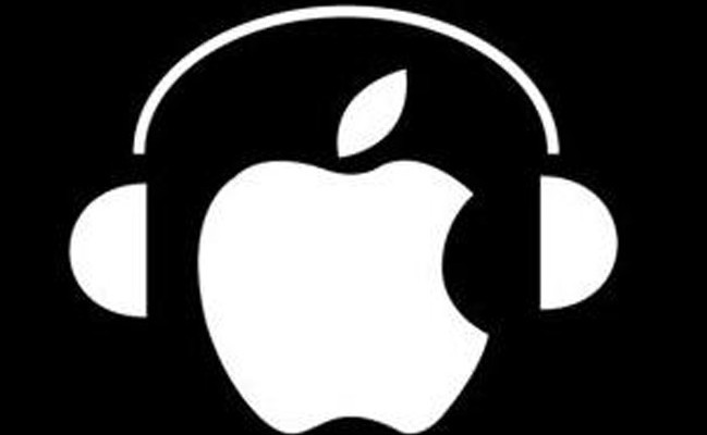 ヘッドフォンのアップルロゴ