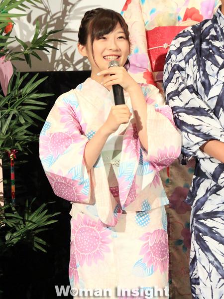 ピンクの浴衣の伊藤沙莉さん