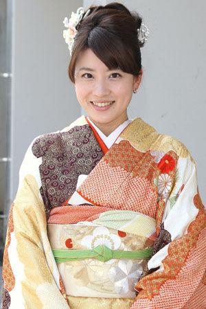 着物も似合う郡司恭子さん