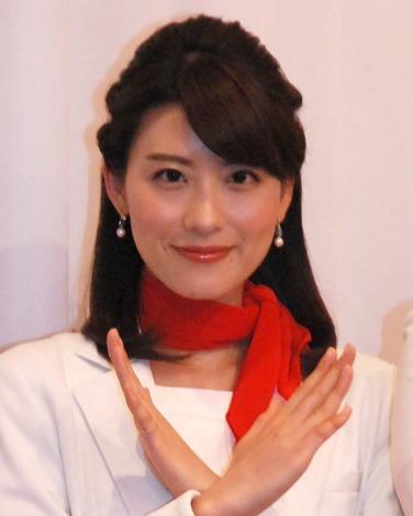 赤のスカーフがかっこいい、郡司恭子さん