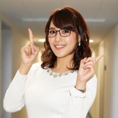 眼鏡をかけた郡司恭子さん