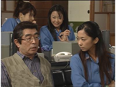 「志村運送物語」なるコメディドラマを演じる志村けんさん。そして今ではお宝となったグラビアアイドルがゲスト出演しています。