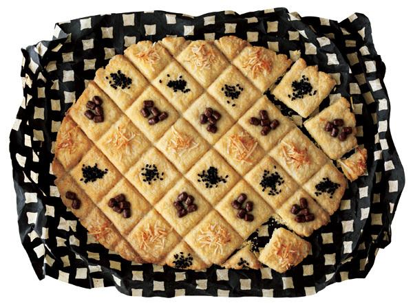 こちらは、黒ゴマ・小豆・チーズなどがトッピングされた「ゆるカットクッキー」です。子供だけでなく大人も楽しめそうですね。