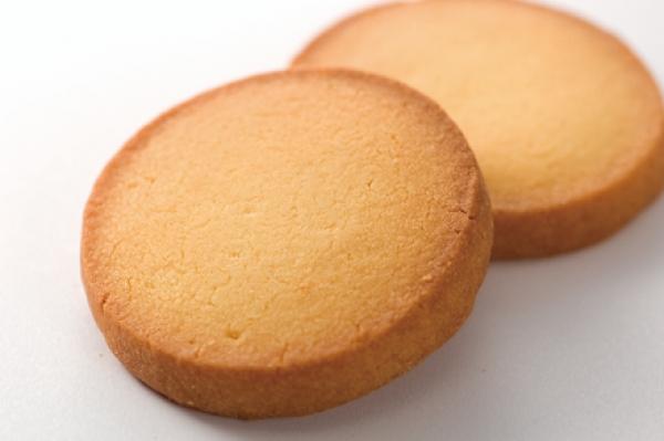 どプレーンな厚焼きクッキーです。見ているだけでバターのおいしそうな香りがしてきそうですね。