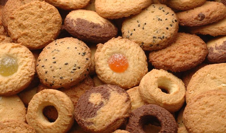ゴマ、オレンジ、グリーンなど色とりどりのクッキーです。味にも変化がありいくらでもいけちゃいそうですね。
