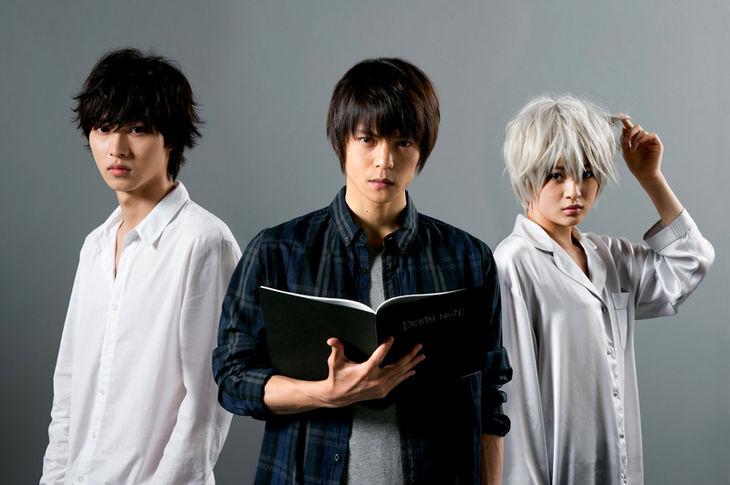 ドラマ「DEATH NOTE」のLとニアと一緒の窪田正孝さん。髪型が原作とそっくりでした。