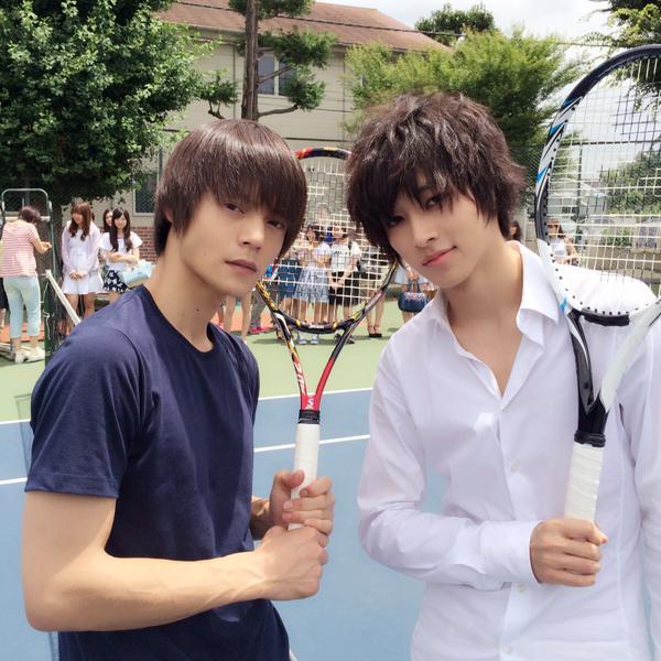 ドラマ「DEATH NOTE」のLと一緒の窪田正孝さん。ドラマでは大学生の設定でした。