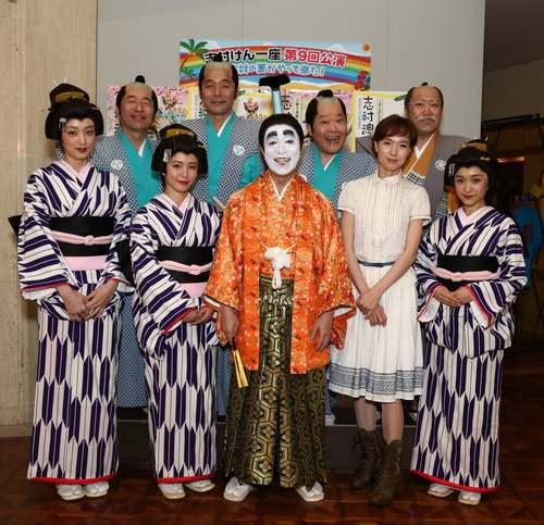 バカ殿様に扮する志村けんさん。2006年からは舞台でも公演されています。