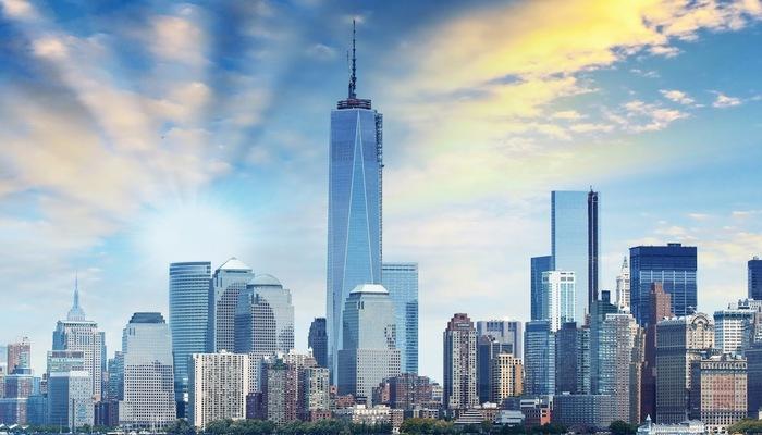ワンワールドトレードセンターはニューヨークで発生した同時多発テロ事件で崩壊したワールドトレードセンター跡地(グラウンドゼロ)に建設された超高層ビルです。