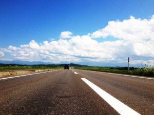 青空と道路