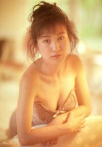 ヌーディー水着の森口博子