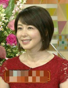 赤いレース衣装の堀内敬子