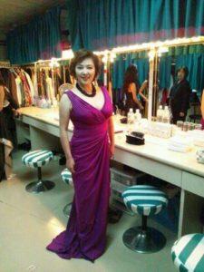 紫ドレスの麻倉未稀