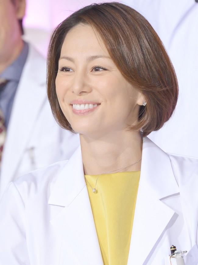 「ドクターX〜外科医・大門未知子〜」で主演を果たした米倉涼子さん。英語のセリフ回しは長くて大変だったそうです。