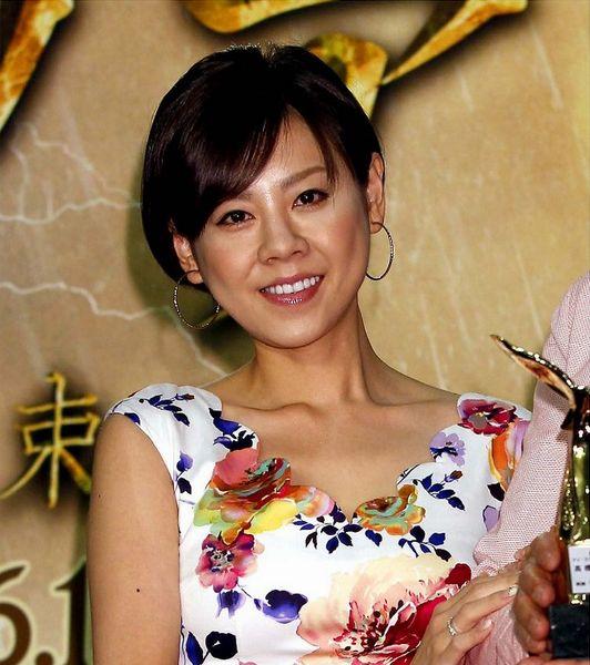 「徹子の部屋」で父親の高橋英樹さんと共演すると、「自分が幸せになることで、父を安心させて親孝行したい」と結婚観について語った高橋真麻さん。