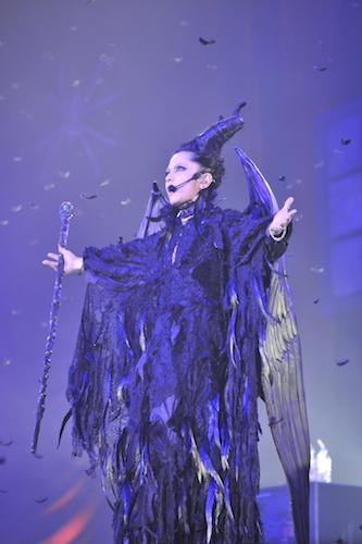 「VAMPS」主催の「HALLOWEEN PARTY 2014」二日目でマレフィセントに扮したhydeさん。悪役感、出ていますね。