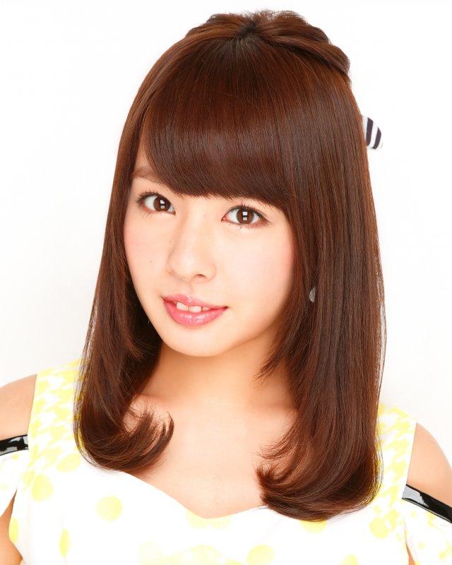 つやっつやの内巻ヘアの山田菜々さん。妹はNMB48の山田寿々さんです。芸能一家ですね。
