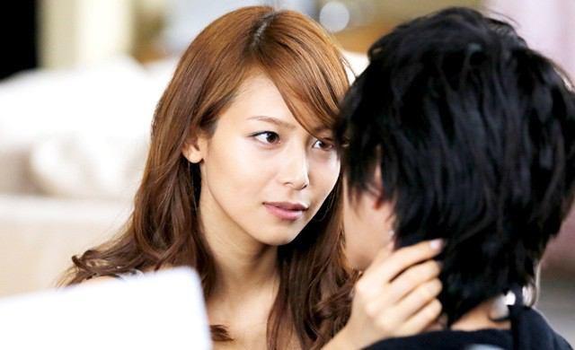 ドラマでも大活躍な相武紗季さん。日本テレビアナウンサーの笹崎さんと似ていると言われています。