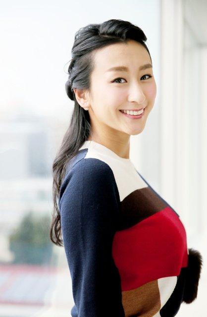 フィギュア選手引退後はタレントとしても活動している浅田舞さん。「町ブラ」規格にもチャレンジしています。