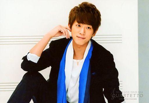 ブラックとブルーでシャープな印象の小山慶一郎さん。お兄ちゃんにしてほしいですよね。