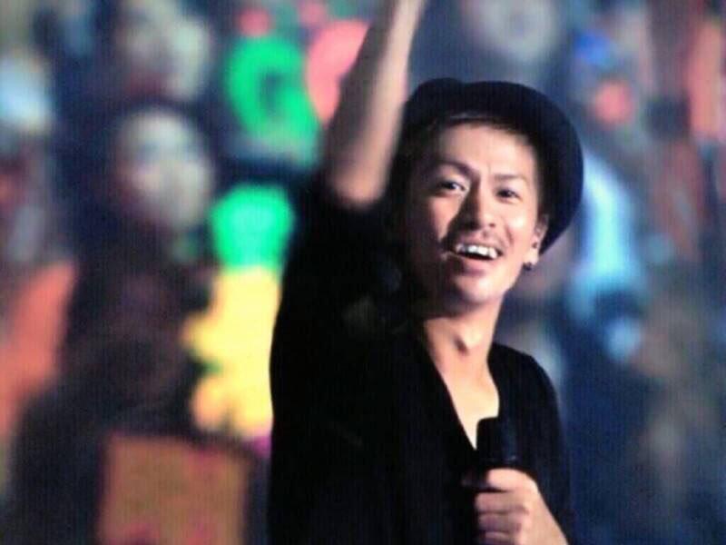 ライブ中の森田剛さん。笑った時の八重歯がとってもキュートですね。