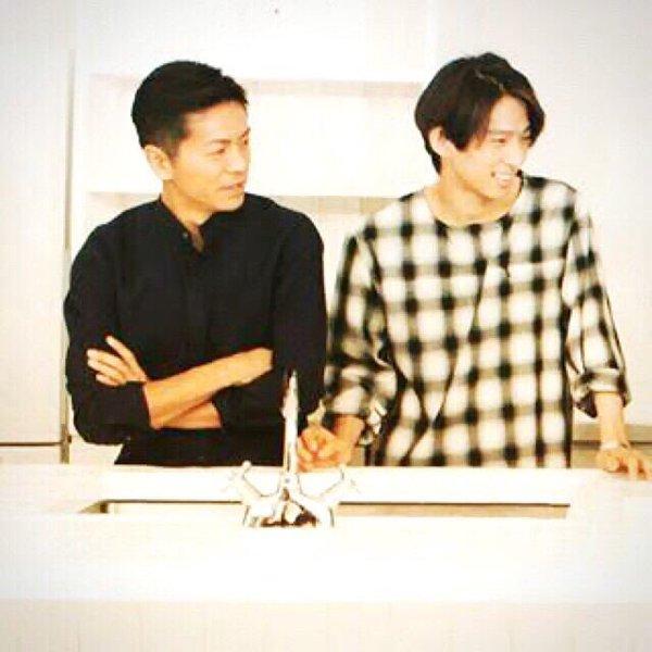 三宅健さんと一緒の森田剛さん。黒いシャツが似合っていますね。