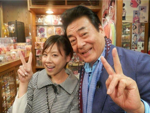 実のお父さんでもある高橋英樹さんと一緒の高橋真麻さん。お父さんの顔がほころんでいます。