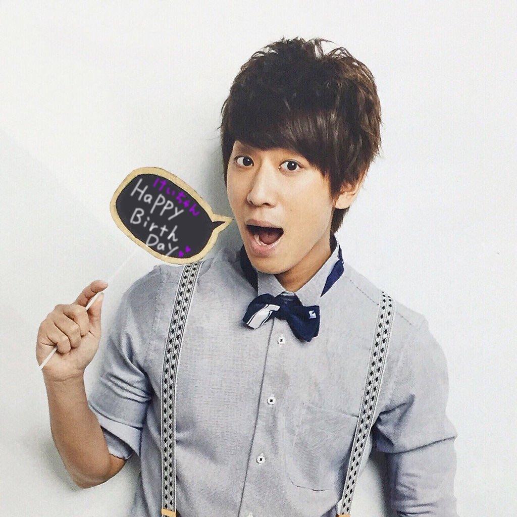 誕生日をお祝いされている小山慶一郎さん。5月1日がお誕生日です。