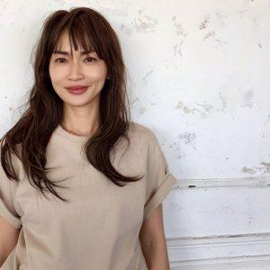 シンプルシャツの長谷川京子
