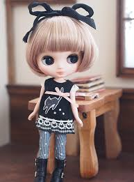 リボンでかわいいブライス人形