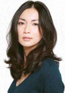 ふんわり巻き髪の長谷川京子