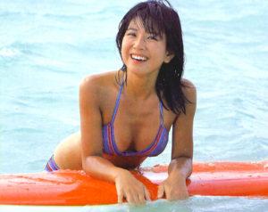 優しく微笑む大場久美子