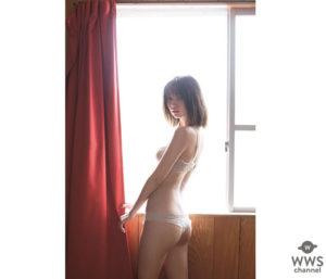 白セクシー水着の江野沢愛美