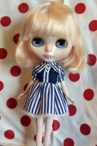ストライプワンピのブライス人形