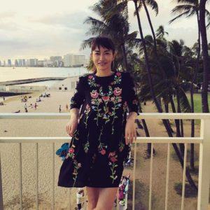 花柄ワンピの長谷川京子