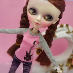 ロックTのブライス人形