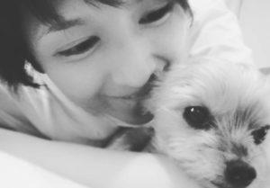 愛犬と吉井怜