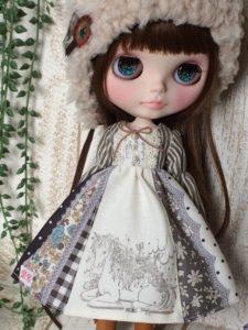 ガーリーワンピのブライス人形