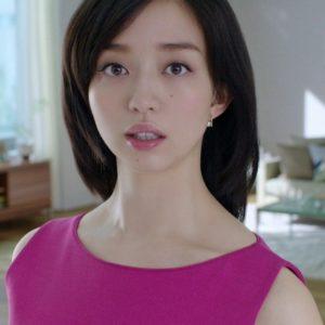 ピンクの服の黒川智花