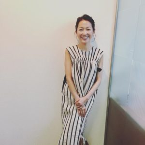 ストライプワンピの羽田美智子