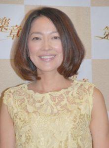 黄色レース服の羽田美智子