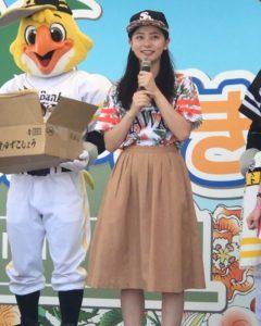 キュートなユニフォーム姿の工藤綾乃