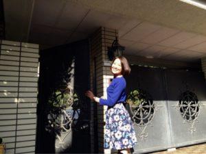 ブルーコーデの羽田美智子