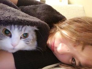 愛猫と山崎真実